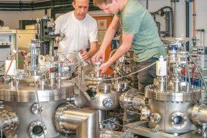 08_physik_werkstoffpruefung_stahl_beschichtungsapparatur.jpg
