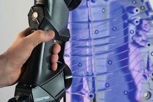 HandySCAN_BLACK_In_Action_13x20.jpg